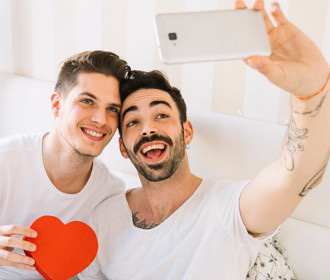 Grindr Review- Features, Costs and Everything You Should Know
